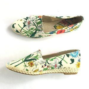 83d2c91f026 Vintage GUCCI White Floral Espadrilles Canvas Shoe